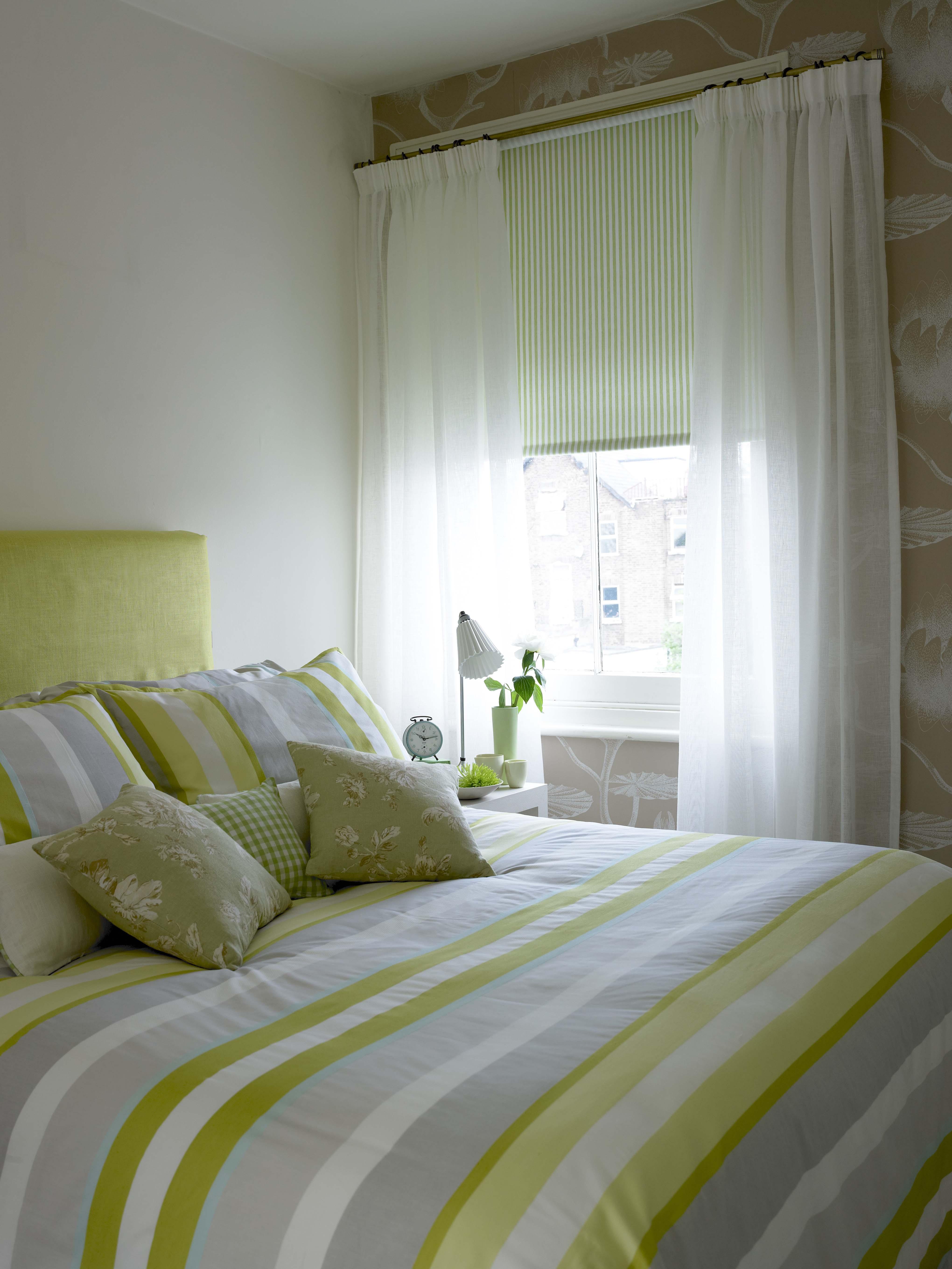 30_white curtains132086