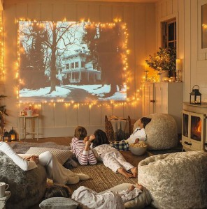 christmas-holiday-decor-bean-bag-room-movie-room-decor-ideas