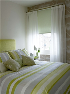 Bedroom voiles with roller blind